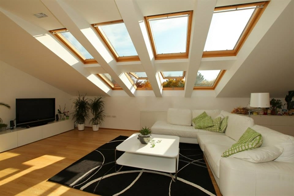 VELUX GGL CK02 3070 Pine Laminated Centre Pivot Roof Window 55x78cm