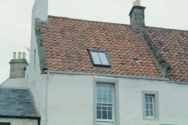 velux ggl ck04 2570h conservation white paint laminated centre pivot roof window 55x98cm. Black Bedroom Furniture Sets. Home Design Ideas