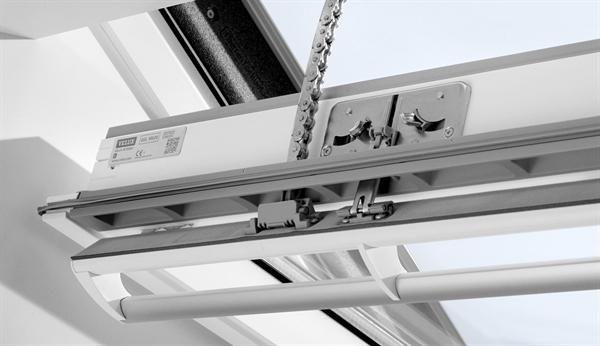 velux integra ggl mk04 207030 solar white paint laminated. Black Bedroom Furniture Sets. Home Design Ideas