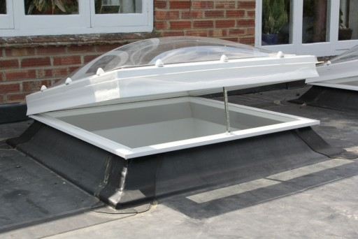 Electric Dome Triple Skin, Opaque with Remote 60x60cm