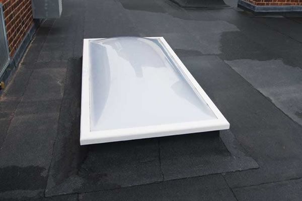 Fixed Dome Triple Skin with Vents & 15cm ECO Splayed Kerb 90x180cm