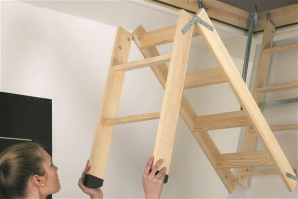 FAKRO LWK 01 Komfort 3-Section 2.8m Length Wooden Loft Ladder 60x120cm