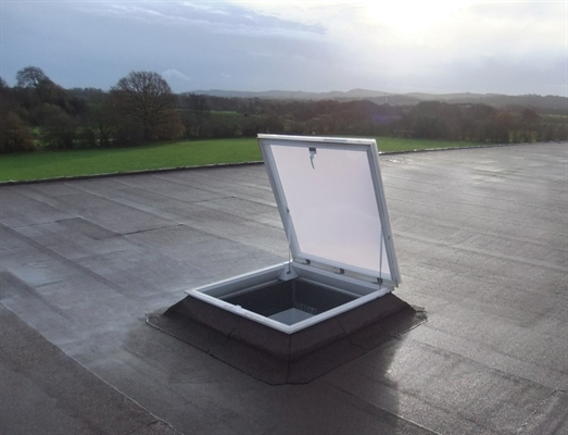 Access Pyramid Double Skin, Opaque with 15cm ECO Vertical Kerb 110x110cm