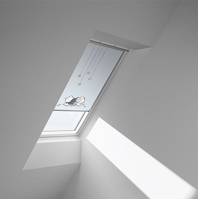 Disney & VELUX DKL SK06 4662 Blackout Blind - Winnie Sleeping