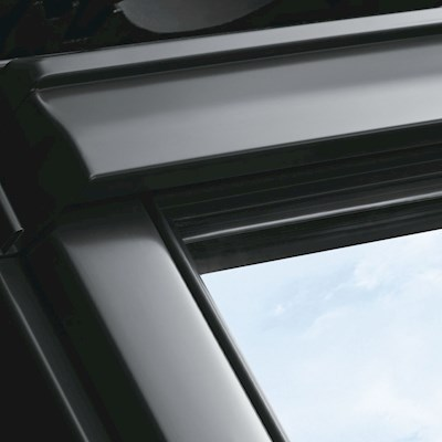 VELUX GGU CK02 0070 White PU Laminated Centre Pivot Roof Window 55x78cm