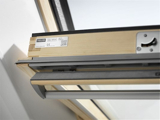 VELUX GGL SK06 3066 Pine Triple Glazed Centre Pivot Roof Window 114x118cm
