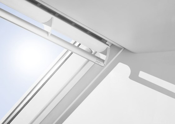 VELUX GGL closed handle detail