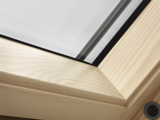 VELUX INTEGRA Pine inside detail