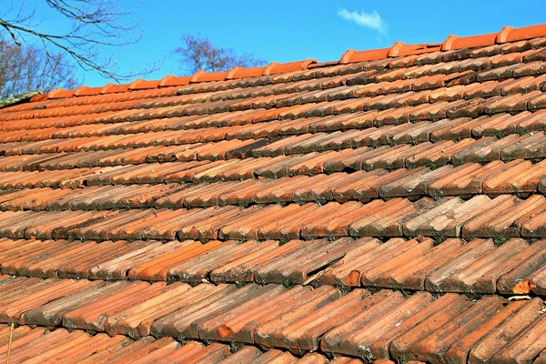 profiled roof tiles above breather membrane