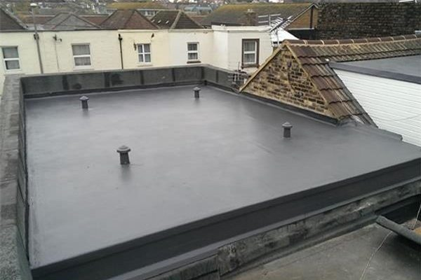 EPDM rubber roof system for flat roof