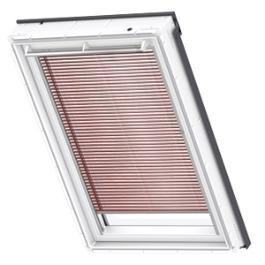 passionate red Venetian VELUX blinds