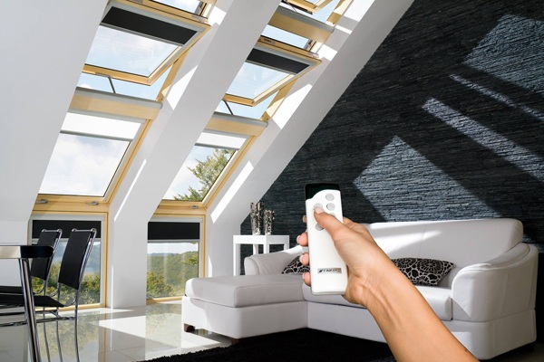 FAKRO Z-Wave electric roof window